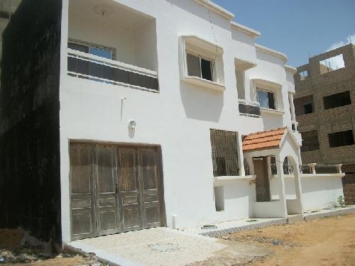 Villa 6 pi ces 150 m vendre yoff dakar vend villa for Salon a vendre a dakar