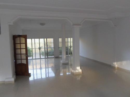Villa Basse Avec Terrasse : Villa 4 pi u00e8ces 300 m u00b2 u00e0 louer Sicap (Dakar) villa